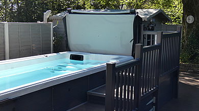 Shared outdoor heated 5 metre swimming pool