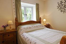 Beech Cottage - double bedroom