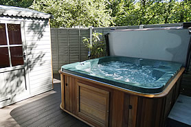 Beech Cottage - hot tub