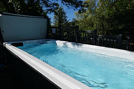 Shared heated outdoor 5 metre swimming pool